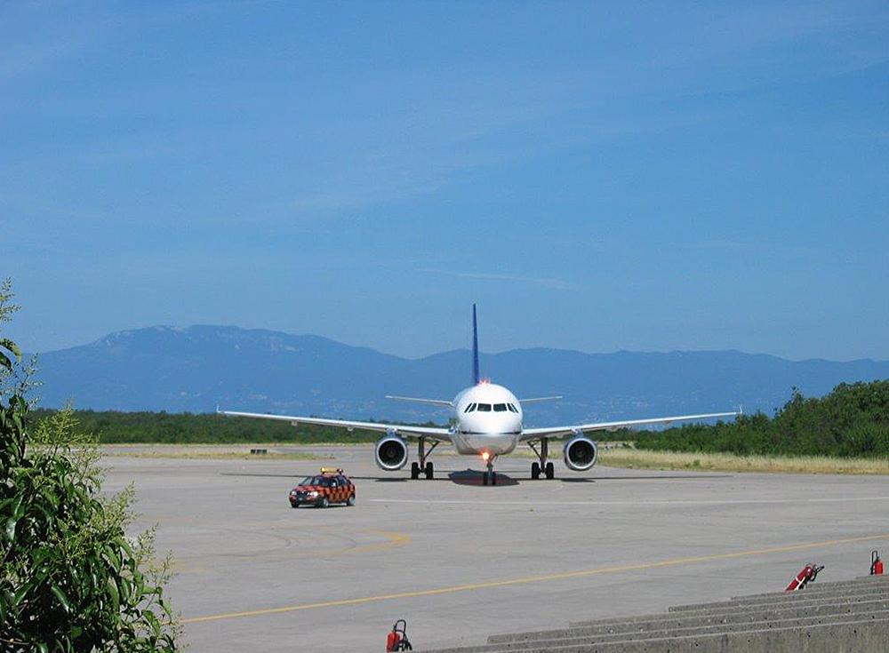 Zračna luka omišalj